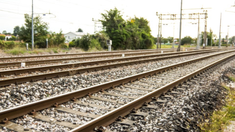 Call to action for adoption of standards across the Australian rail industry