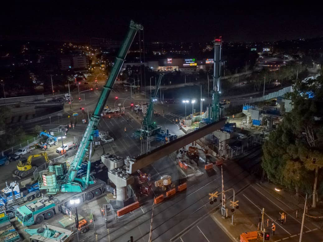 Toorak Road L Beam lifted into place