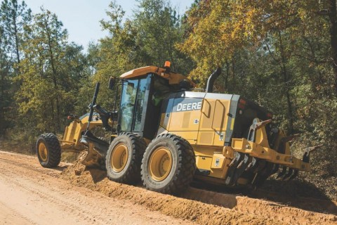 Industry's First Fully Integrated, Mastless Grade Control Motor Graders to come to Australia