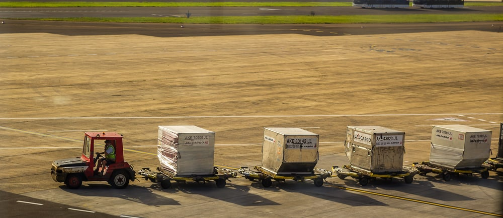 Baggage handling on airport tarmac Western Sydney Airport contract